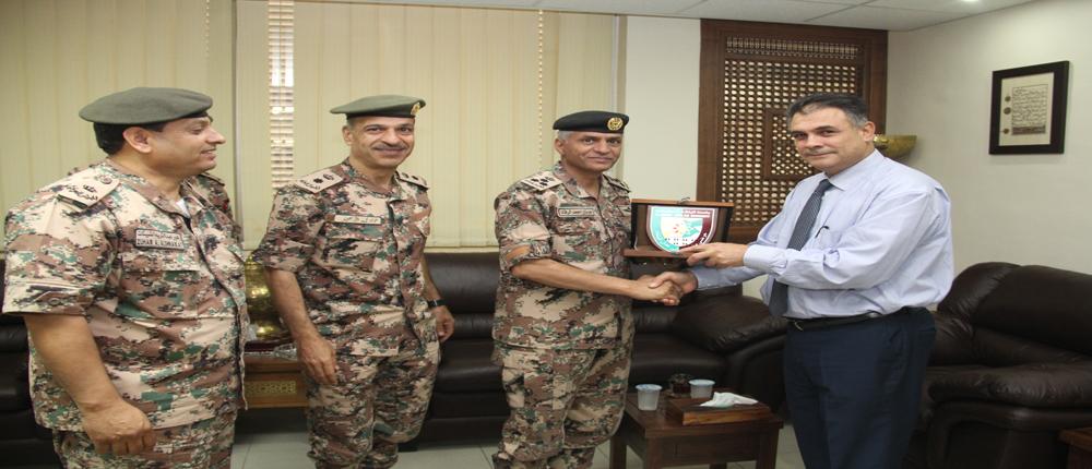 رئيس جامعة البلقاء التطبيقية يستقبل مدير التربية والتعليم والثقافة العسكرية